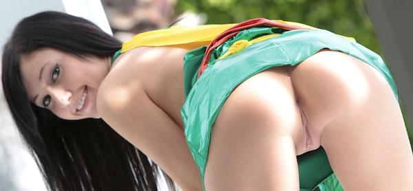 Catie Minx Robin