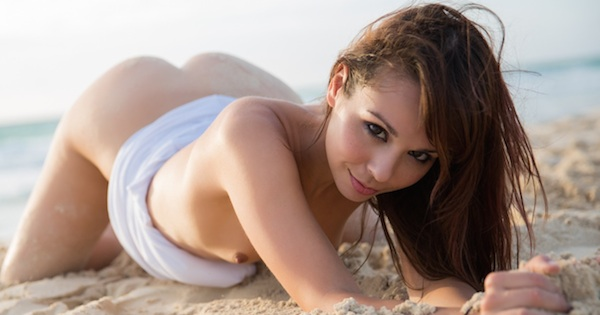 Ariel Rebel - Sandy Sunshine