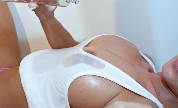 Nikki Sims - Baby Oil