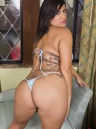 briana-lee-black-butt-plug
