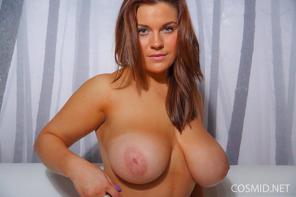Голая грудь с пухлыми сосками порно 83739 фотография