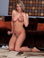 naked-nikki-sims