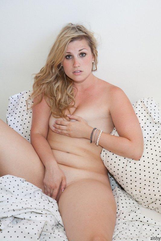 Chelsea waltzer nude