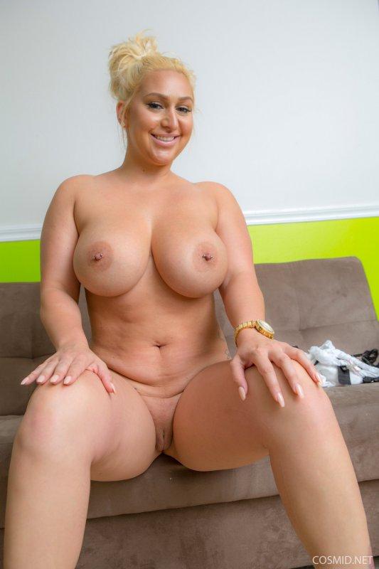 curvy models nackt