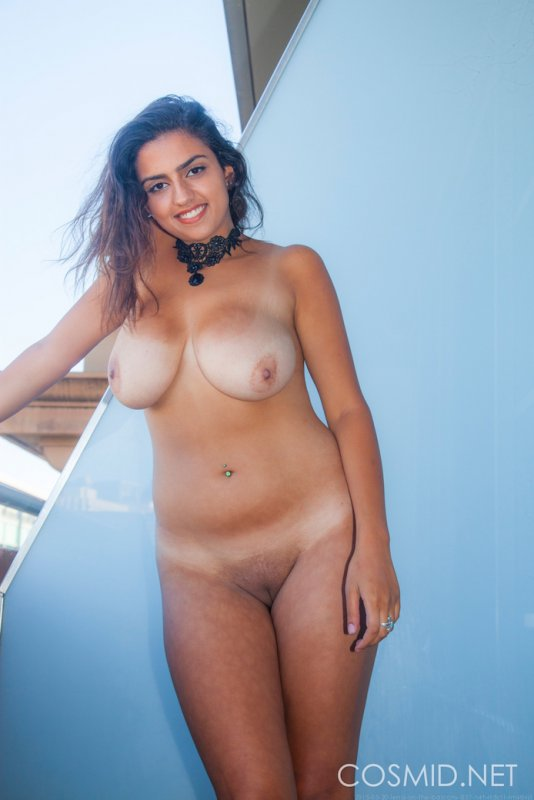 hot nude girls on plane