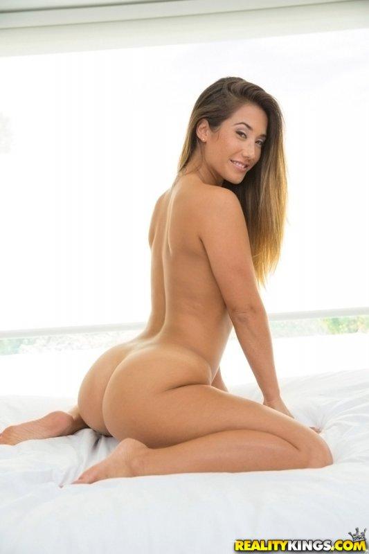 Sexy shaker eva lovia