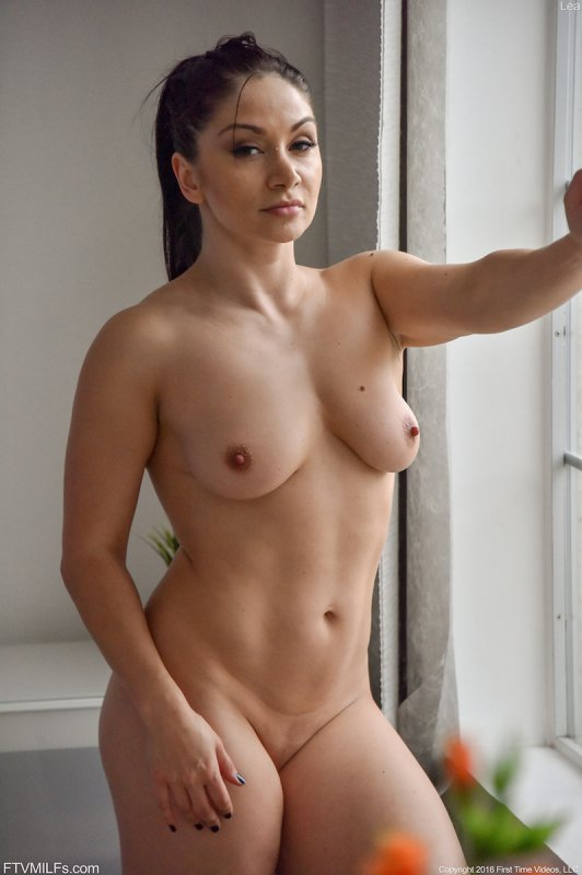 Busty milf brooke paige is just right 3